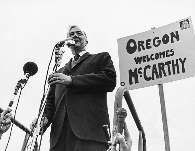Sen. Eugene McCarthy campaigns in Portland on May 10, 1968. OHS Research Library, 0094P136