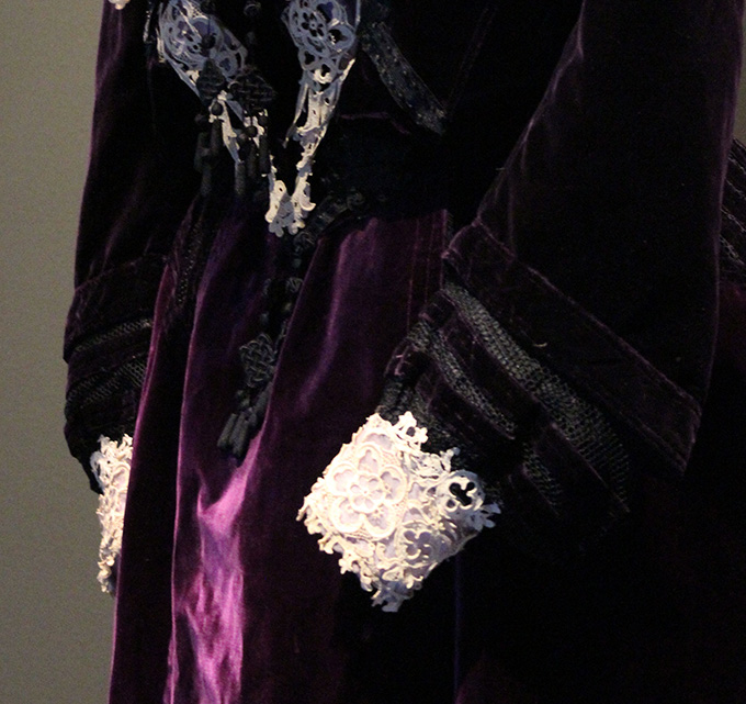 Black mesh and lace cuff details on M&A Shogren dress. OHS Museum collection