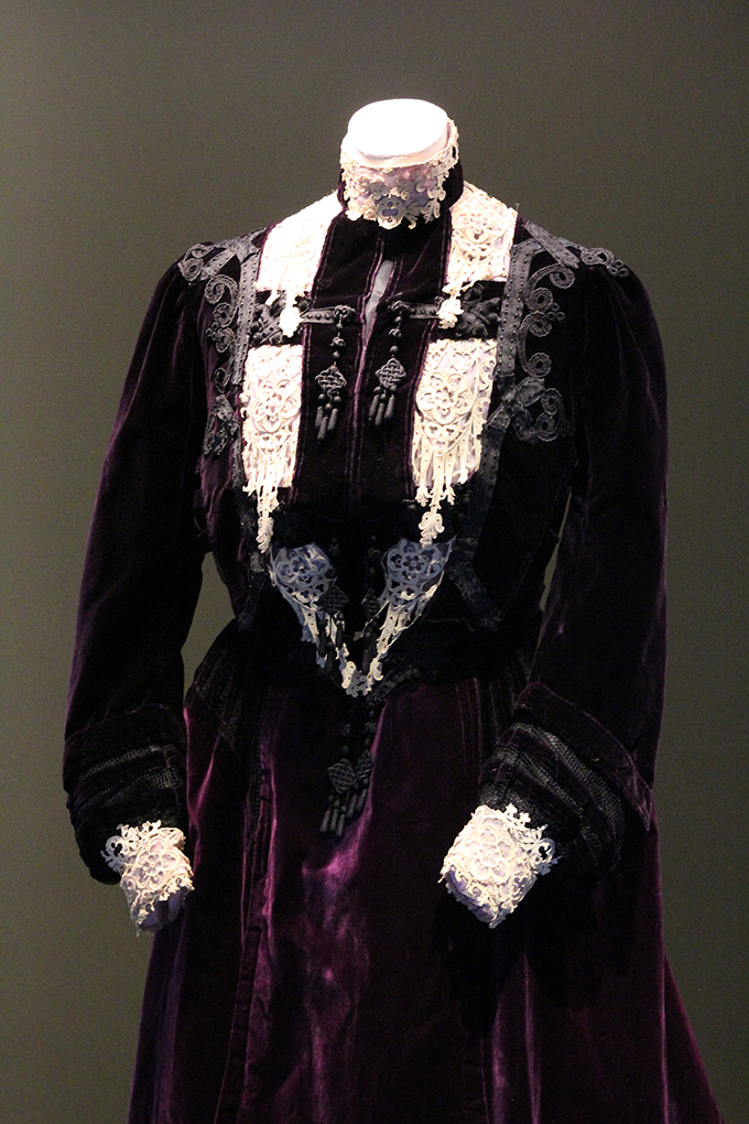 Details of M & A Shogren purple velvet dress owned by Emma Louise Ruggles Corbett. OHS Museum collection