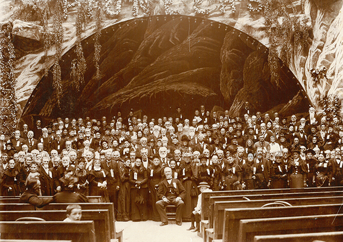 Oregon Pioneer Association (OPA) annual meeting in 1894. OHS Research Library, OrHi 35244, photo file 868.