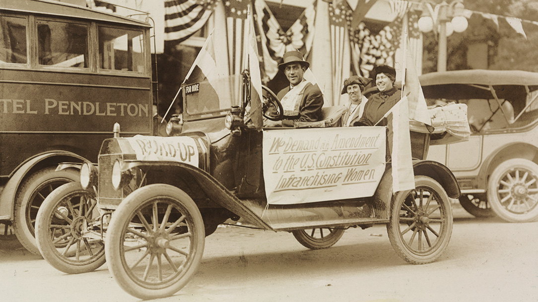 Margaret Fay Whittemore and Mary Gertrude Fendall in September 23, 1916, woman suffrage campaign in Pendleton, Oregon. Library of Congress, 159019