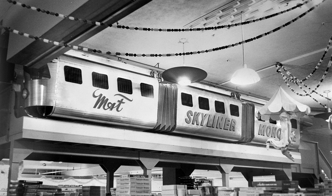 Santaland monorail at the downtown Portland Meier & Frank department store. OHS Research Library, bb006571.