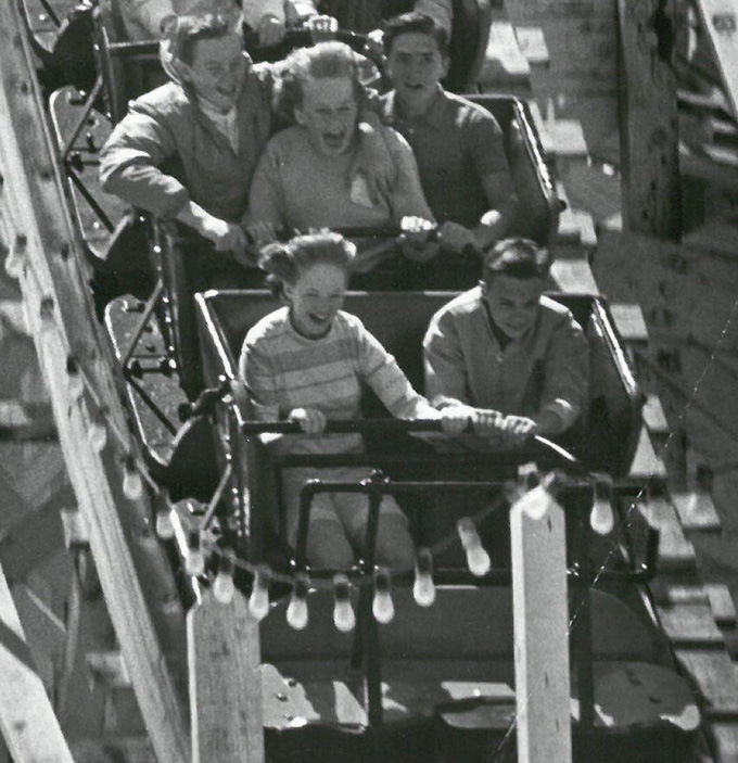 Big Dipper roller coaster at Jantzen Beach in May 1964. OHS Research Library, photo file no. 1879-C, neg. no. 46373.