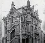North Pacific Dental College at Couch and 15th, Portland, about 1900. Courtesy Oreg. Health & Science Univ. Hist. Collec.