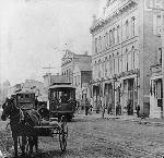 East Side Railway cars passing on Main St. in Oregon City, 1890s. Courtesy Richard Thompson
