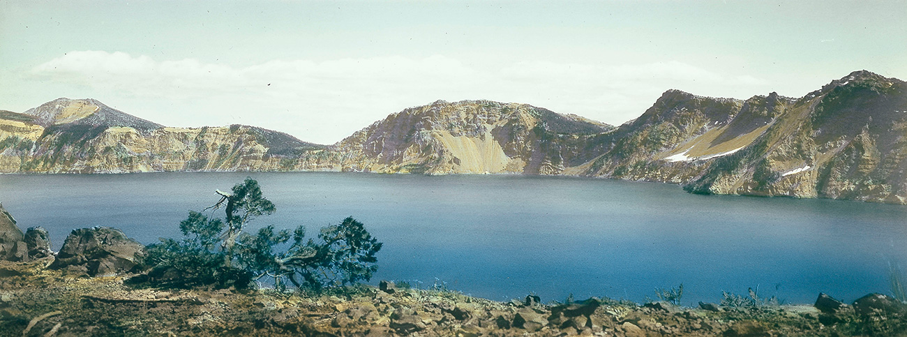 Crater Lake, southeast rim, hand-colored panorama, ca. 1907. OHS Research Library, Kiser Photo Co. photographs, Org. Lot 140, OrHi 101859