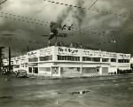 Exterior of Fred Meyer Bakery and Candy kitchen on SE Hawthorne. Coll 199 b10.f3
