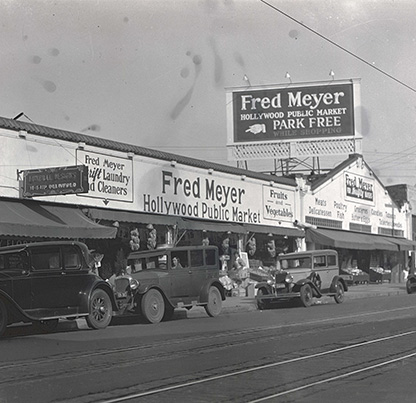 Fred Meyer Hollywood Public Market store, 41st and Sandy, Portland, ca. 1933. OHS Research Library, Oregon Journal Negative Collection; Org. Lot 1368; Box 371; 0371N5602