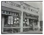 Parlor Grocery, Northeast Fremont Street, Portland. OHS Research Library, Oregon Journal Negative Collection; Org. Lot 1368; Box 371; 0371N5613