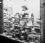 Metropolitan five-and-dime store show windows, 328 Washington, 1920_Benjamin Gifford_bb000644